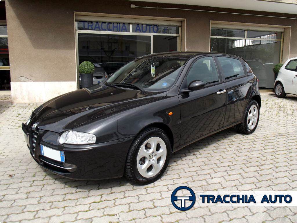 tracchia auto alfa romeo 147 1 9 jtd 16v 140cv 5p progression. Black Bedroom Furniture Sets. Home Design Ideas