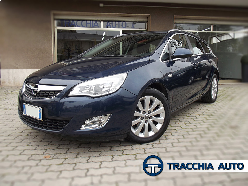 tracchia auto opel astra sports tourer 1 7 cdti 125cv cosmo. Black Bedroom Furniture Sets. Home Design Ideas