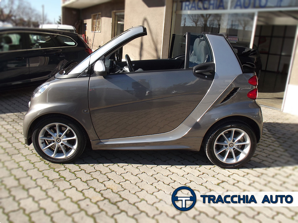 tracchia auto smart fortwo cabrio 1000 mhd 52kw passion. Black Bedroom Furniture Sets. Home Design Ideas