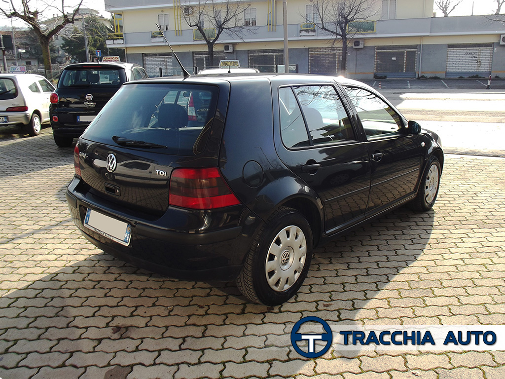tracchia auto volkswagen golf 1 9 tdi cat 90cv 5 porte. Black Bedroom Furniture Sets. Home Design Ideas